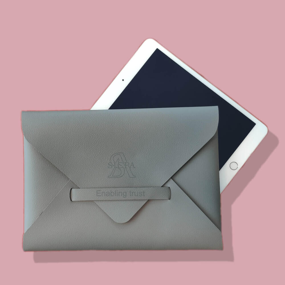 Pochette iPad en cuir